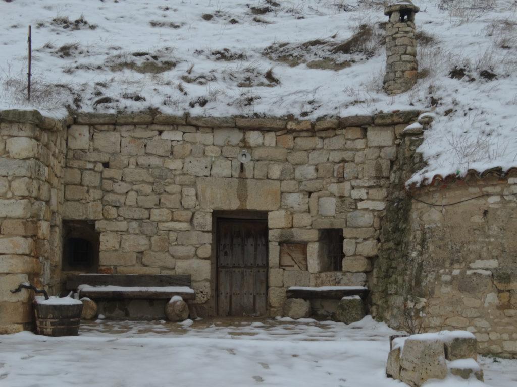 Fachada de casa cueva.